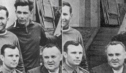 Airbrushed cosmonauts