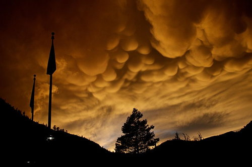 Mammutus clouds over Squaw Valley (Matt Saal)