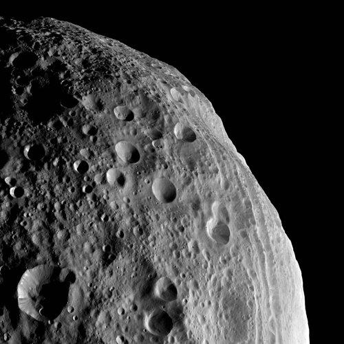 Vesta's cratered terrain (NASA/JPL-Caltech/UCLA/MPS/DLR/IDA)